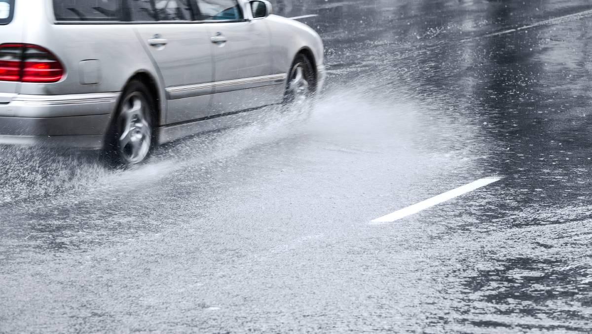 Опрезно на путевима због могуће кише и снега